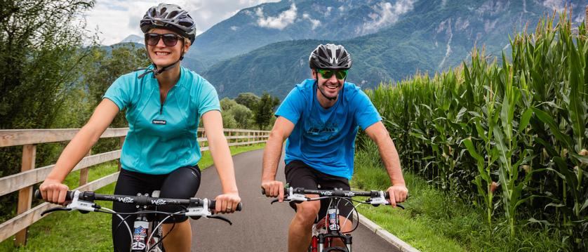 italy_lake-levico_cycling.jpg